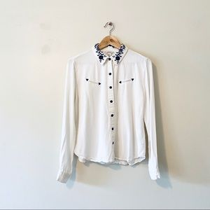 Forever 21 white embroidered western shirt medium